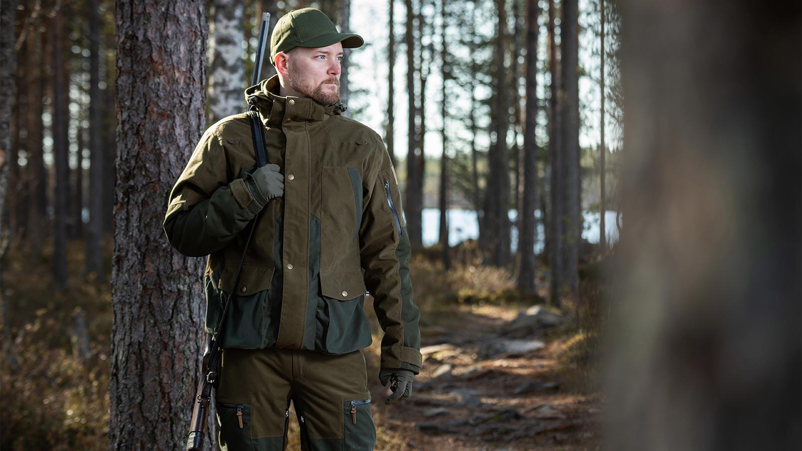 Anar Hirvas Green miesten metsästyspuku